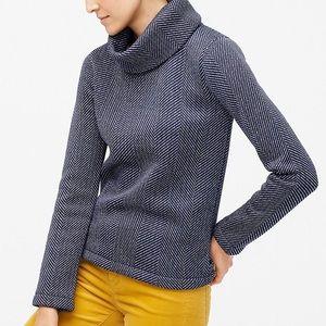 Funnel neck Pullover Sweatshirt